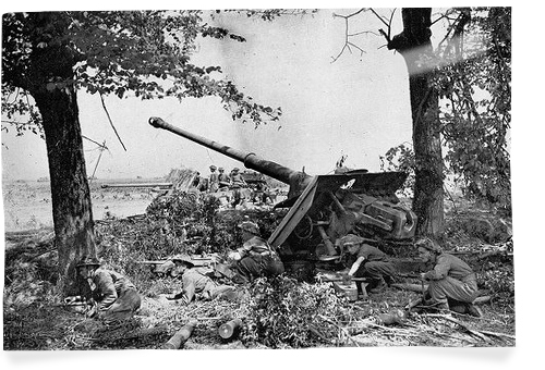 anti-tank gun normandy 1944