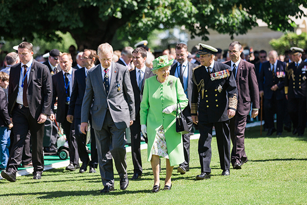 hm the queen bayeux june 2014