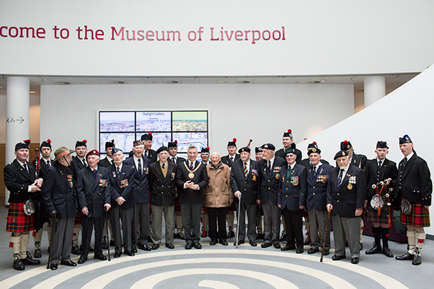 normandy veterans meet mayor of liverpool