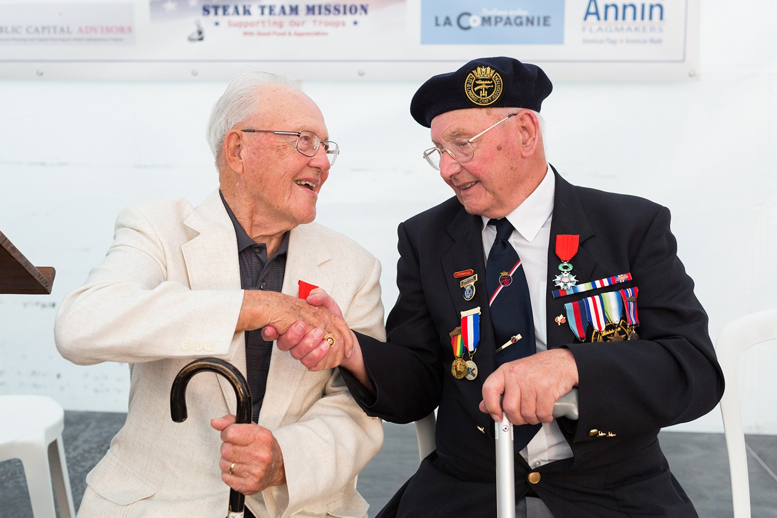 UK and US D-Day Veterans meet in Normandy