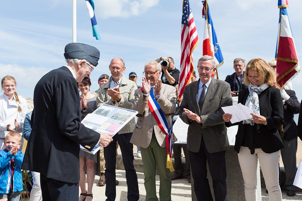 RAF Veteran Les Dobinson Vierville-sur-Mer